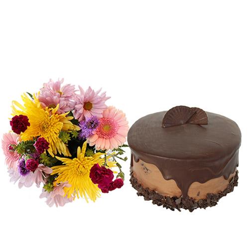 Dark Chocolate Fudge Cake with Flowers