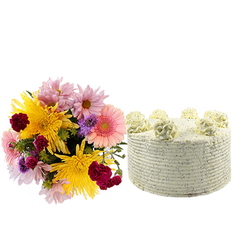 Fresh Lemon Rose Cake with Flowers